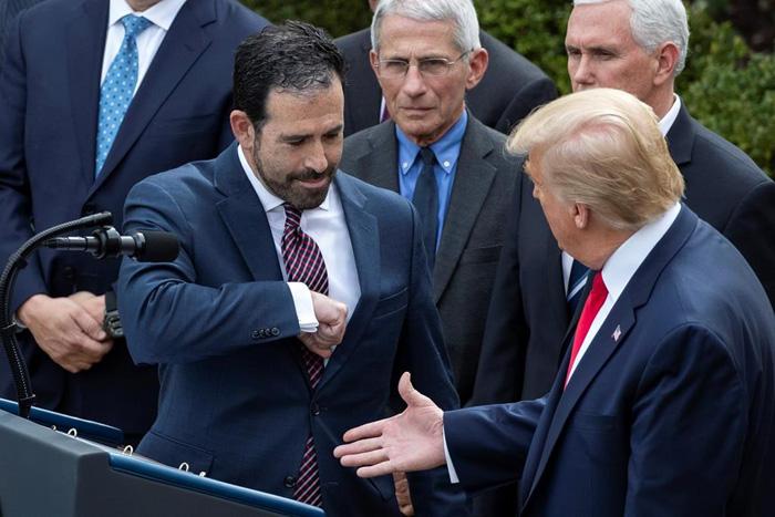 Shake-My-Elbow-Trump