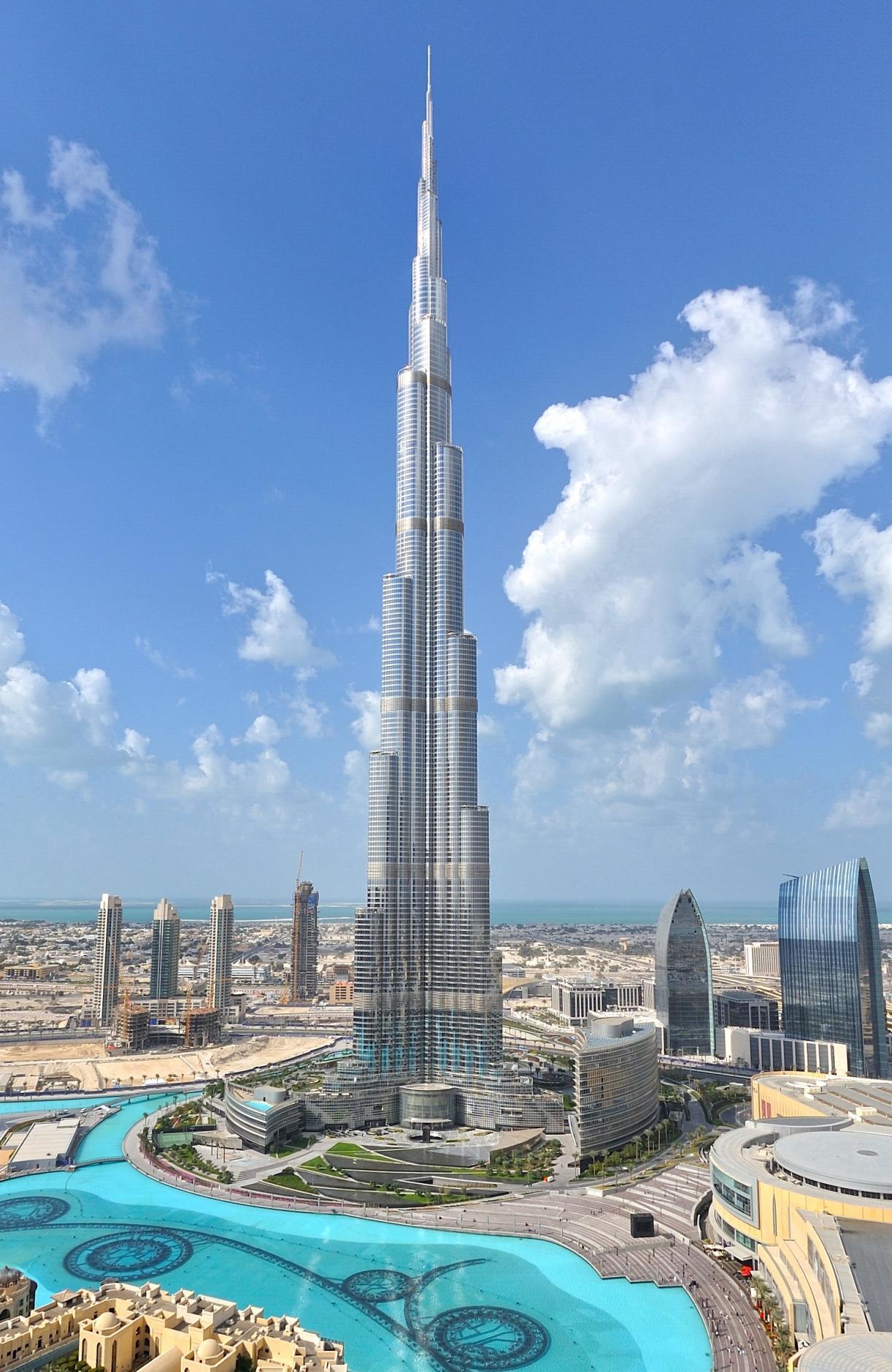 Burj-Khalifa-Hotel-Tallest-Building-In-The-World